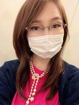 """森口博子、""""老眼鏡""""と間違われるメガネ姿「素敵です」「似合ってる」の声"""