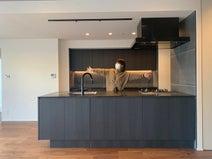あいのり・桃、リノベーションした新居のキッチンを公開「かなり便利になりました」