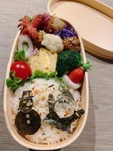 飯田圭織、カルディの商品を使ったXmasを感じる息子弁当を公開「喜んでくれるかな」