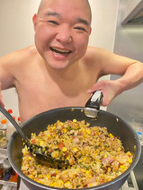 内山信二の妻、夫の手料理に朝から胸焼け「こんなボリュームやめてくれ」