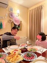 花田虎上、娘の誕生日パーティーで豪華な食事「手紙のプレゼントをフライング」
