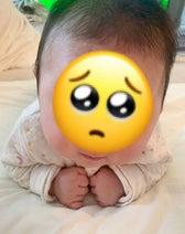 トレエン斎藤の妻、寝返りの特訓をする息子を応援「あとちょっとだ!!」