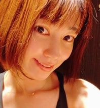 飯田圭織、ボディメンテナンスで身体に変化「近頃なんだかムキムキ」