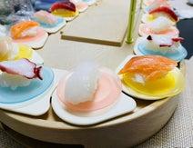 薬丸裕英、家族と自宅で回転寿司「おうち時間を楽しみました」