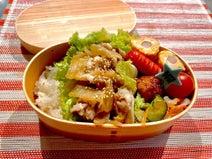 飯田圭織、ボリューム満点な息子の弁当を披露「しっかり食べてもらわないと」