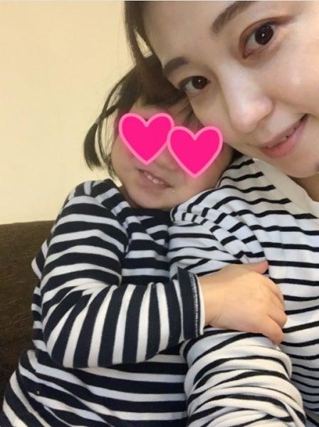 飯田圭織、娘とのお揃い親子コーデを公開「かわいい」「素敵」の声