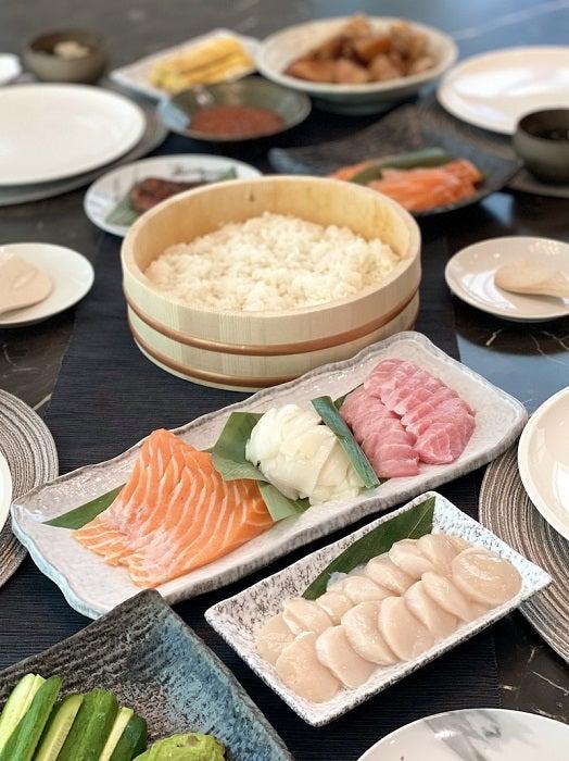 つんく♂、断食後に食べた豪華な食事を公開「なんでもかんでもは手に入りません」
