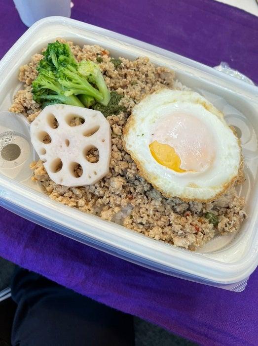 小川菜摘、美味しかった楽屋弁当を披露「蒸気が出てあったかくなる」