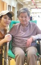 はんにゃ・川島の妻、大好きな祖母の旅立ちを報告「おばあちゃんに育てられて本当よかった」