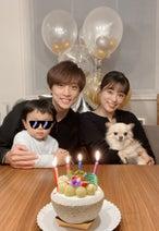 本田朋子、夫・五十嵐圭の誕生日に家族ショット「理想の夫婦像」「微笑ましい」の声