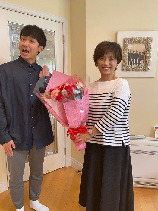 渡辺徹、妻・榊原郁恵と息子・裕太の2ショットを公開「入院中ながら心が癒される」