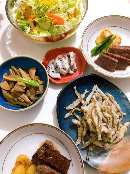 平野ノラの母、娘夫婦に作った夕食を披露「習いたい」「完璧なディナー」の声