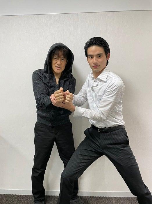 橋本じゅん、岡田健史との再会に歓喜「待ってました」「素敵なコンビ」の声