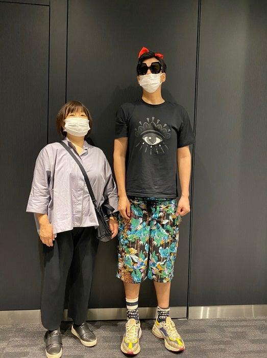 アレク、義母の『ユニクロ』ファッションを公開「リーズナブルよ」