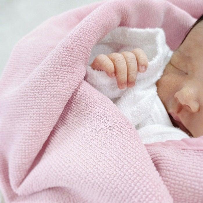 布川敏和、長女でモデルの布川桃花が第1子女児を出産したことを報告「初孫が産まれました」