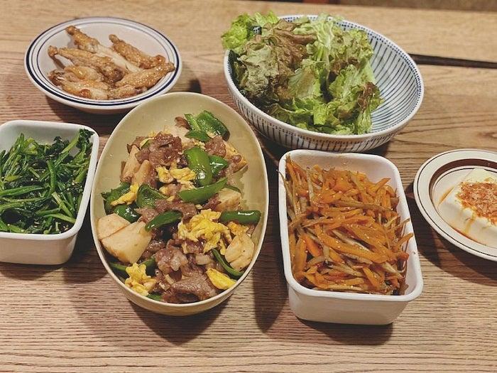藤本美貴、自宅にある食材で作った夕飯を公開「栄養満点」「尊敬」の声