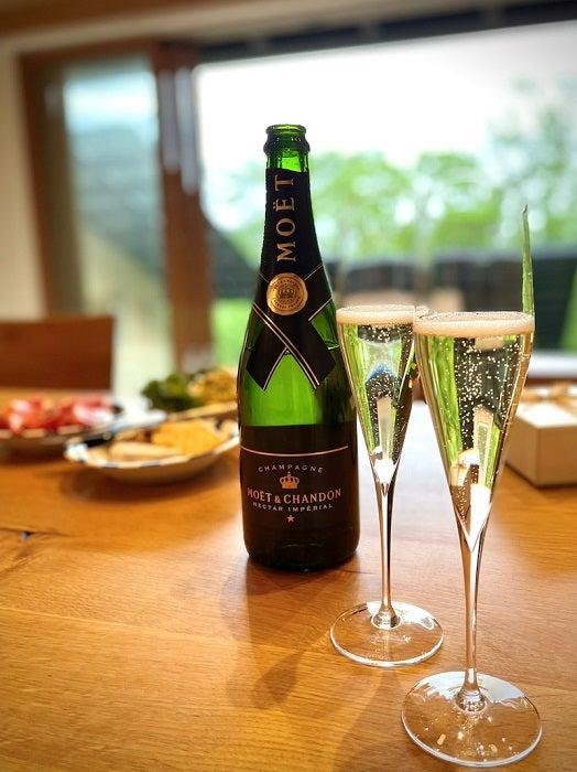 つんく♂、入籍から15年が経ち水晶婚式をお祝い「おめでとう」「お幸せに」の声