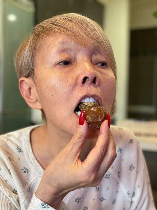 研ナオコ、大好物の高級菓子を食べるも後悔「ゆっくり味わえば良かった」