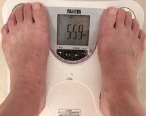 恋愛マスター・くじらの妻、ファスティングから1か月後の体重を公開「凄い」「大成功」の声