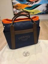 小原正子、夫・マック鈴木の誕生日に贈った『HERMES』の鞄に「センス抜群」「素敵」の声