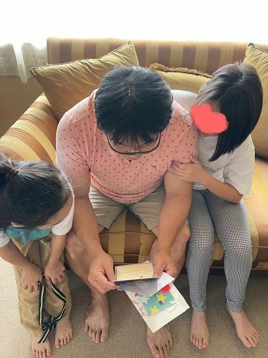 花田虎上、妻や娘達からの手紙やプレゼントに歓喜「微笑ましい」「素敵」の声