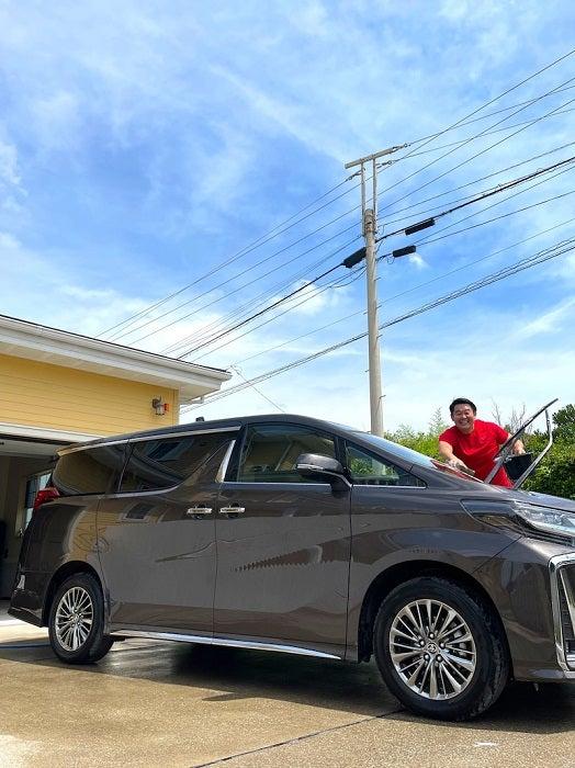 """花田虎上、新車を洗車している最中にきた""""珍客""""「新車なのに車があまりにも汚い」"""