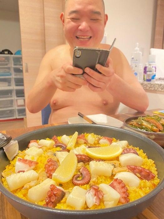 内山信二の妻、夫も気に入った料理を紹介「楽してオシャレに美味しく」