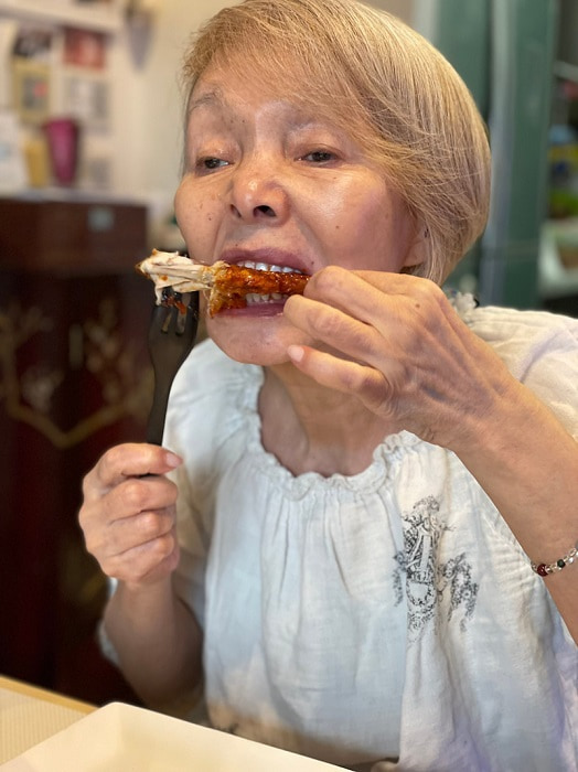 研ナオコ、最近ハマっているチキンを紹介「とてもおいしいのでお勧めです」