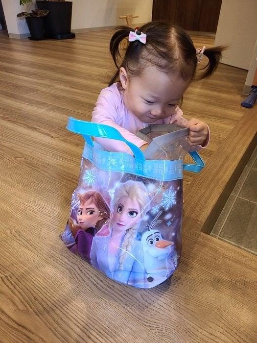 小原正子、娘のために買い集めているグッズを公開「楽しく過ごしてもらえるように」