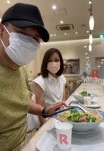 花田虎上、妻と『リンガーハット』でランチを堪能「ハズレがないですねぇ」