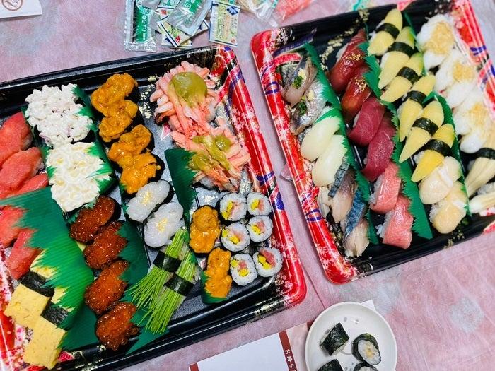 ココリコ遠藤の妻、誕生日のお祝いご飯を公開「豪華ですね~」「美味しそう」の声