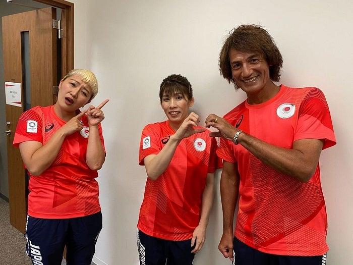 丸山桂里奈、夫・本並健治氏&吉田沙保里さんのハートポーズに「大丈夫、さおりんなら」