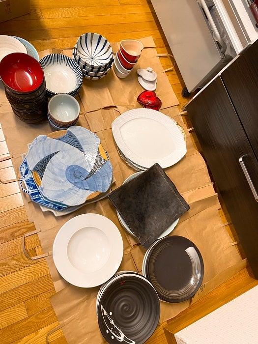 堀ちえみ、引越しに向けて食器棚を整理整頓「使わないと在る意味ないし」