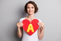 【血液型A型】性格と行動の特徴は…慎重で堅実、引きずる?