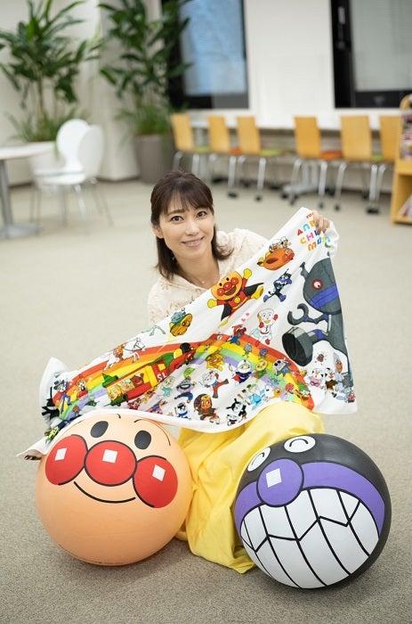 飯田圭織、子ども達に届いた『アンパンマン』グッズを紹介「あたたかな心遣いに感激」