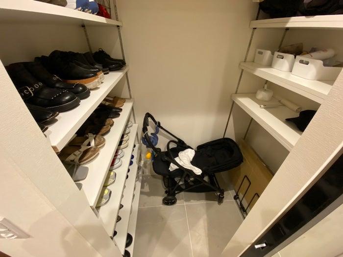 あいのり・桃の夫、整理した自宅の下駄箱を公開「玄関前もスッキリしました」