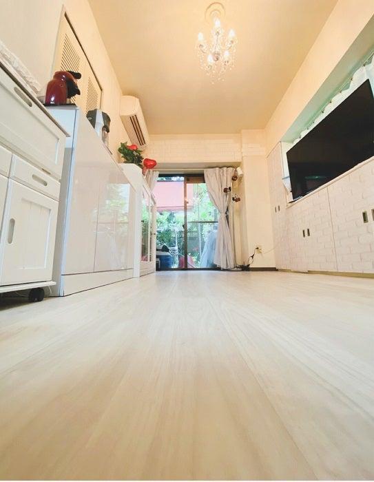川崎麻世、DIYに成功した自宅リビングを公開「凄い」「器用ですね」の声