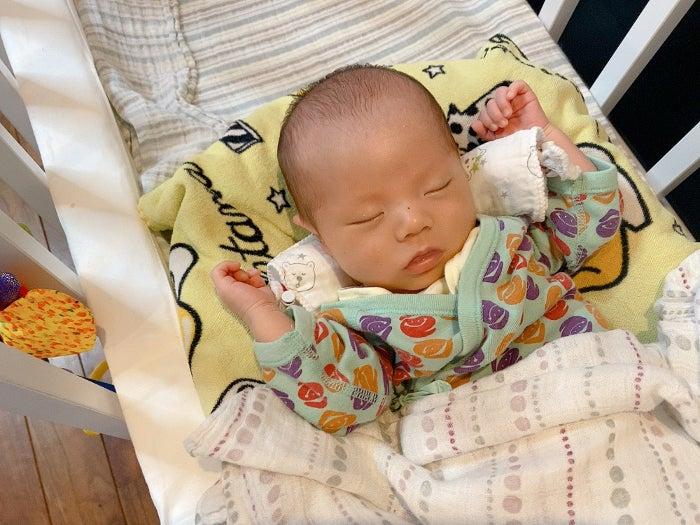 エハラマサヒロの妻、次男の1か月健診で指摘されたこと「臍ヘルニアの可能性がある」