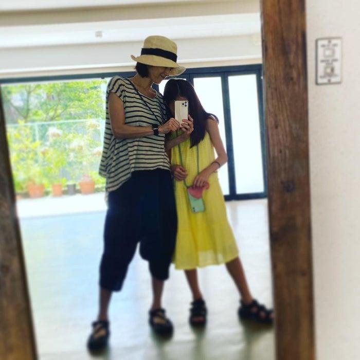 高岡早紀、猛暑日に娘との外出を試みるも断念「暑くて暑くてめげました」