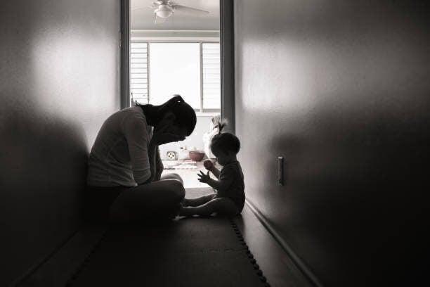 一年で二人を産んだ光上せあら、体が悲鳴。中国の住み込みシッターに「国でそーゆー制度あればなぁ」