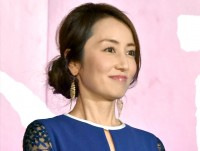 矢田亜希子、Gパンにパーカー カジュアルな姿でコストコ来店ショットに反響