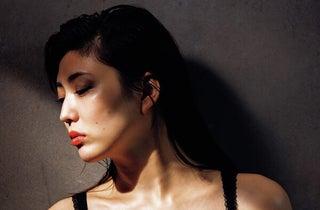 女スパイを演じきったイワナミこと岩﨑名美の覚悟とは「自分史上最高にセクシーなグラビアになりました」