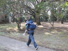 拳闘日記(ペルテス病・闘病日記)/AKIRAの拳に夢を乗せて-おんぶ