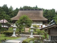 藁葺き屋根の正法寺