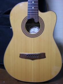 ギターが好き。。。。。。下手だし、中年オヤジだけど。。。。。。-555
