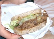 香港マック牛肉飯1