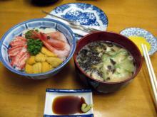 函館朝市にて 海鮮丼!2