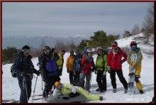 ロフトで綴る山と山スキー-避難小屋にて