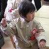 幼稚園児とガンプラの足元。の画像