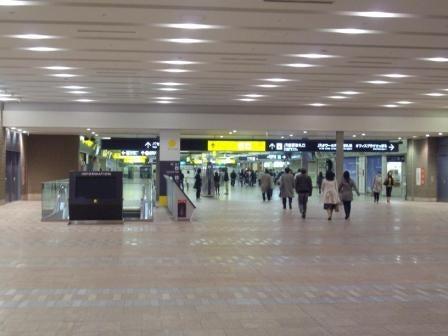 帽子のターンアラウンドマネージャー札幌を行く - 認定事業再生士のブログ-札幌駅